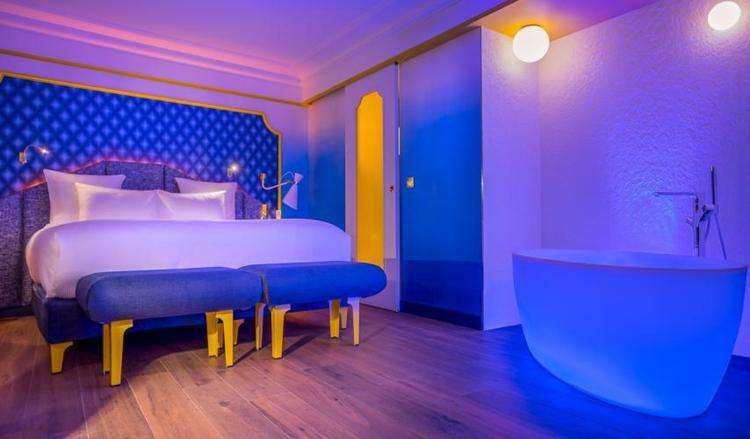 Idol hotel à Paris