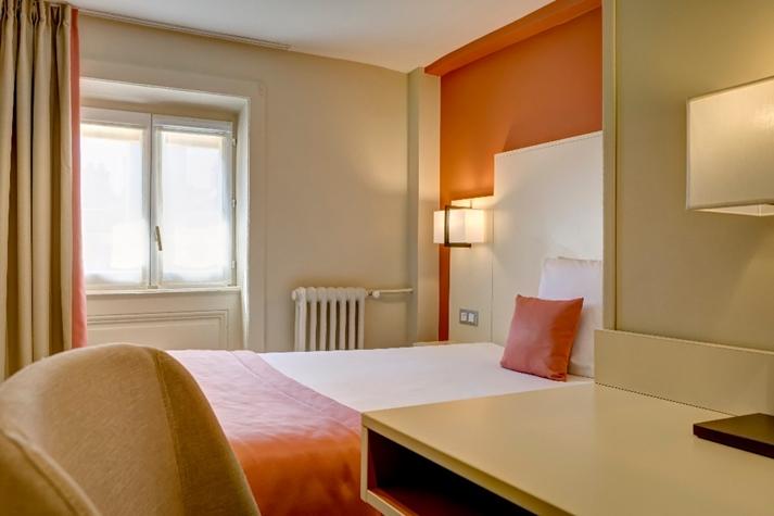Hôtel des Remparts Dubost à Lyon