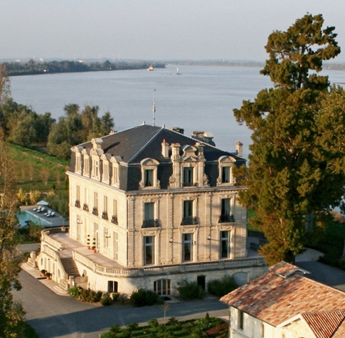 Château grattequina à Blanquefort